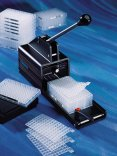 Sealing Mats for Microtitration Plates and Applicator  Corning®